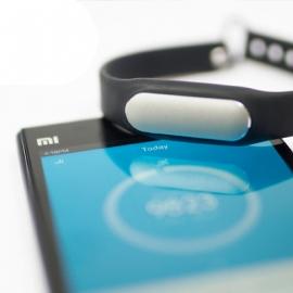 Не выбрасывая деньги за бренд: Xiaomi Mi Band
