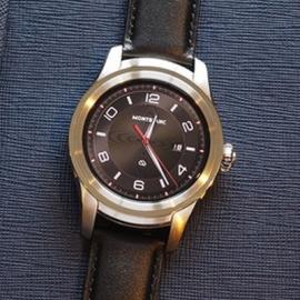 Люксовая компания Montblanc выпустила первые смарт-часы