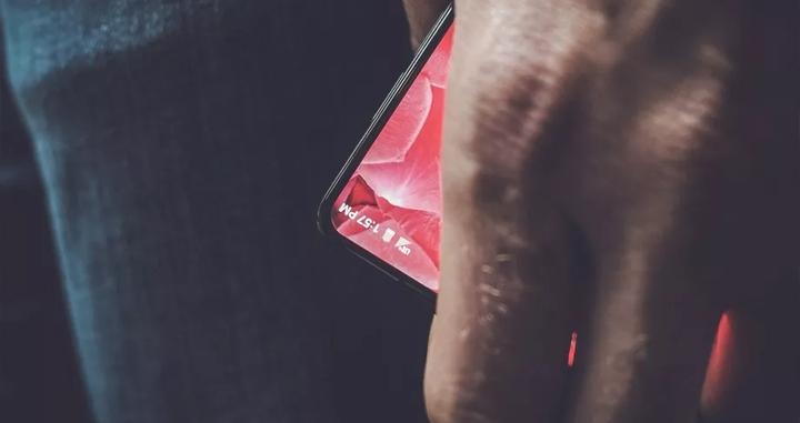 Apple инвестировала млрд. долларов для срыва разработки «убийцы» iPhone