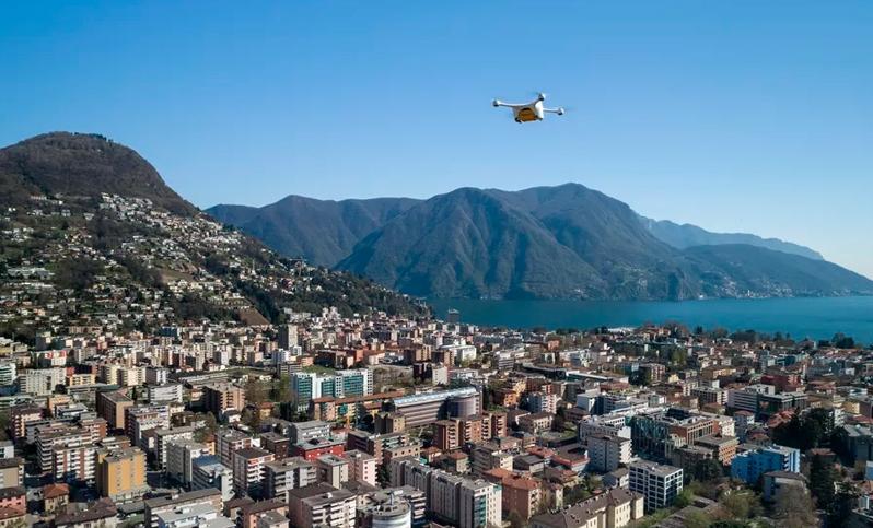 Швейцарские клиники начали использовать дроны для обмена лабораторными образцами