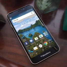 Презентован долгожданный телефон BlackBerry Aurora