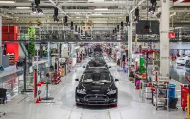 Электромобили Tesla подешевеют