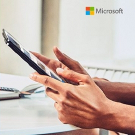 Microsoft случайно показала безрамочный складной смартфон