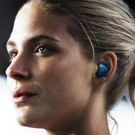 Samsung готовит беспроводные наушники с Bixby