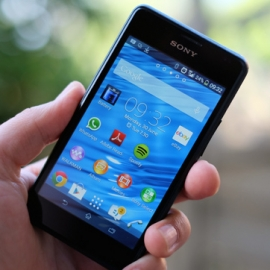 � Sony Xperia E1 ����� ������������ ����� Walkman