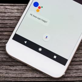 Google готовит гарнитуру с голосовым помощником
