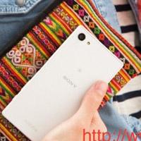 Sony Xperia Z5 Compact: живые фотографии