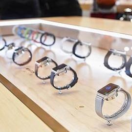 В России в первый день продаж было реализовано только 1500 Apple Watch