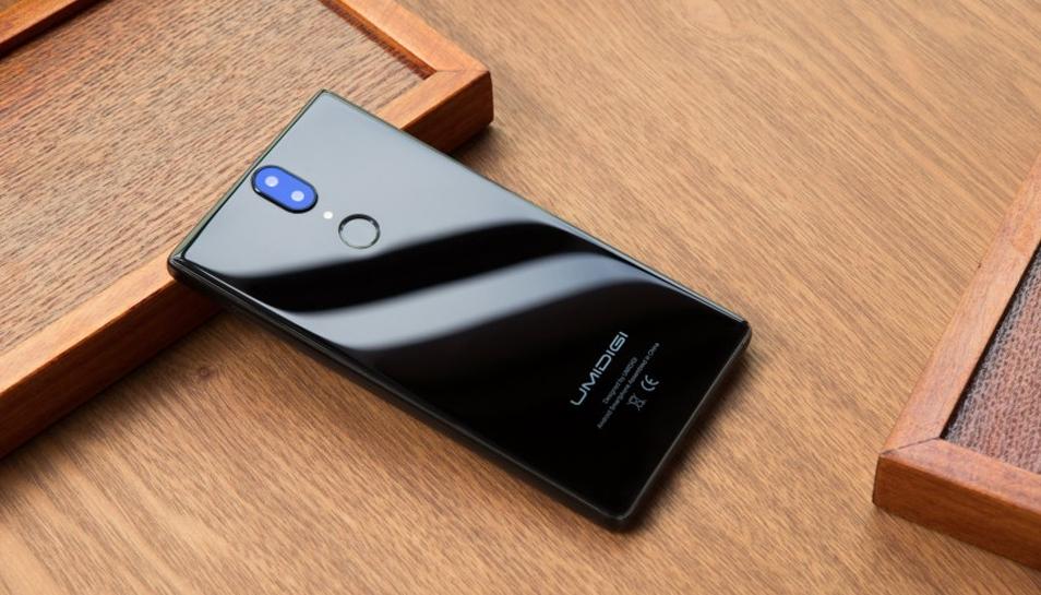 UmiDigi Crystal— стильный безрамочный смартфон всего за $99