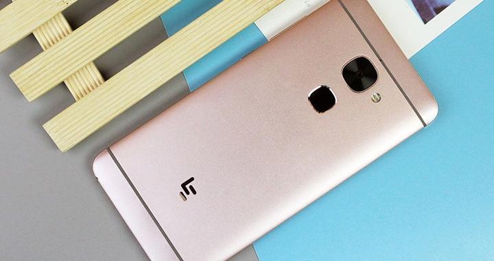 Семеро лучших: бюджетные альтернативы Galaxy S8 и iPhone 7