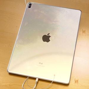 Дизайнер показал безрамочный айпэд в стиле iPhone X