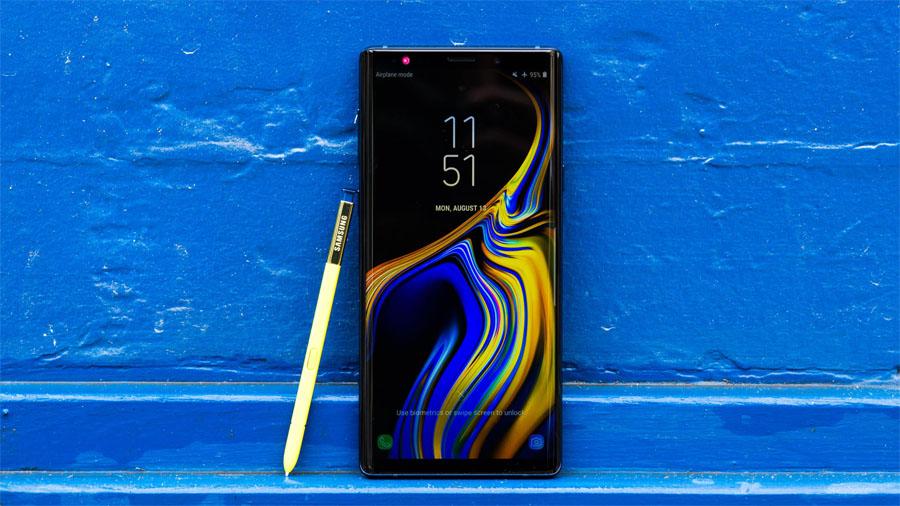 Очередное обновление испортило смартфоны Samsung