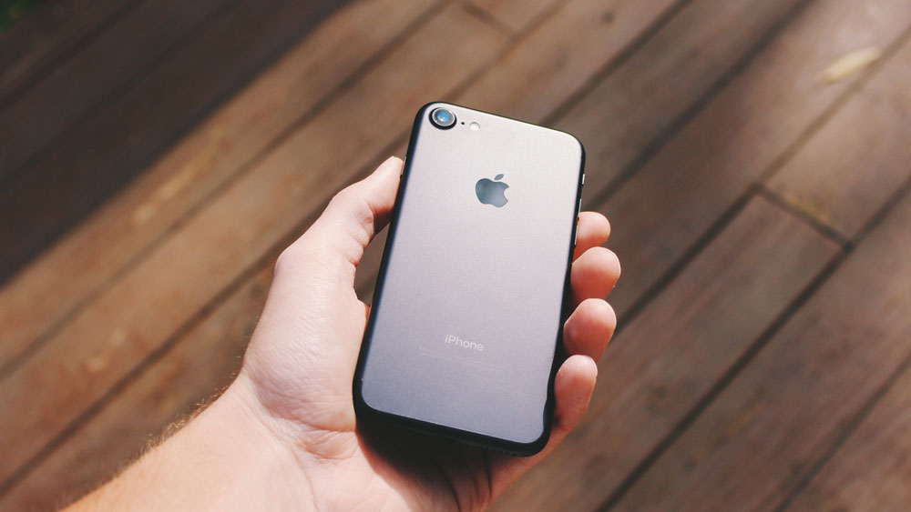 iPhone 7 резко подешевел в России