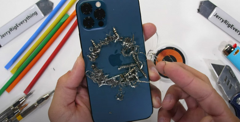 Новый iPhone не справился с испытанием на прочность